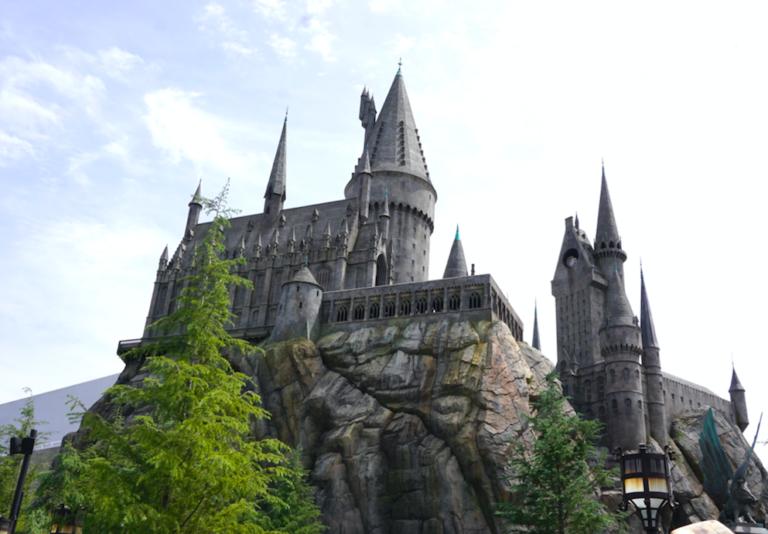 Harry Potter-fans verzamelen: je kan nu online lessen volgen op Zweinstein